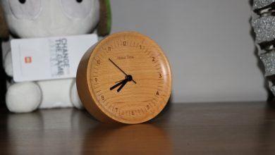 Mi Wooden Clock