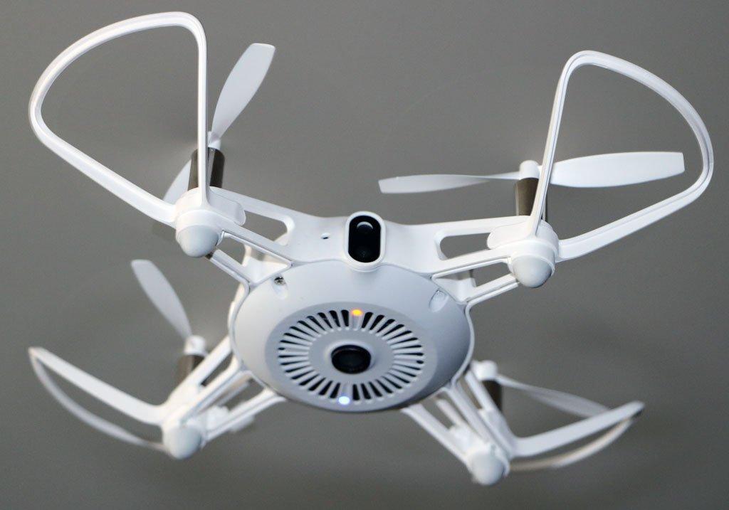 Mini-drone-mitu-volando-inferior