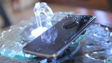 Te enseñamos qué hacer si se te ha mojado el móvil